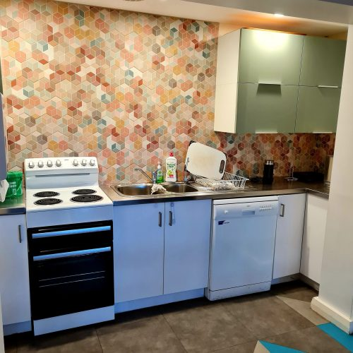 Kitchen & prep area